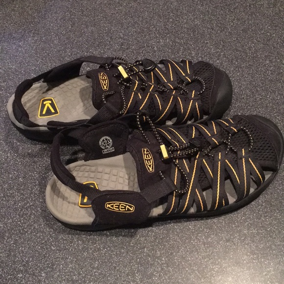 a102f9c18133 Keen Other - Keen sandals gently used